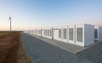 батарея Tesla бьет рекорды