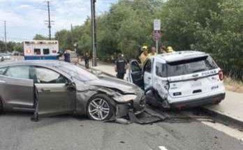 очередная авария беспилотного автомобиля tesla